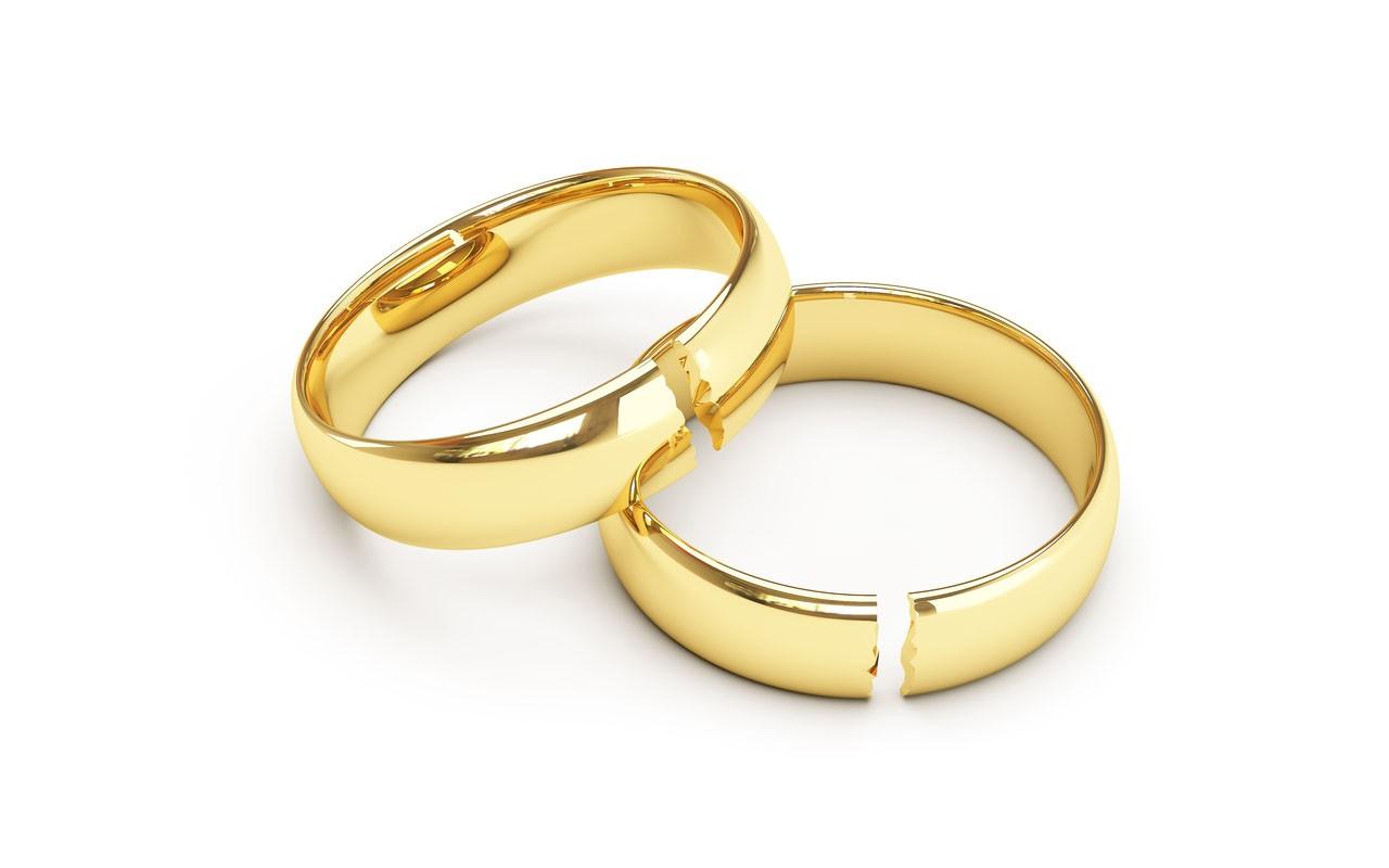 a averbação serve apenas para registro das informações, não sendo esse documento o responsável por determinar o divórcio